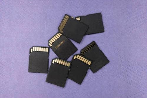 Bien réussir la gestion d'une carte micro-SD dans les systèmes embarqués : le matériel